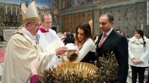 pope-francis-baptizes-a-baby